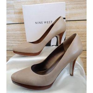 Nine West Plateauo Tan Heels 8